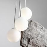 Designerska Lampa wisząca potrójna szklane kule Bosso White III biała Aldex nad stół