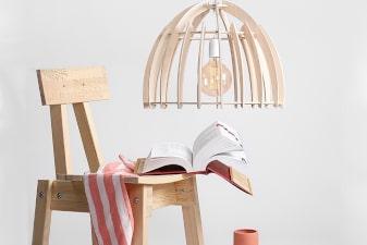 Lampy drewniane i ze sklejki aranzacje
