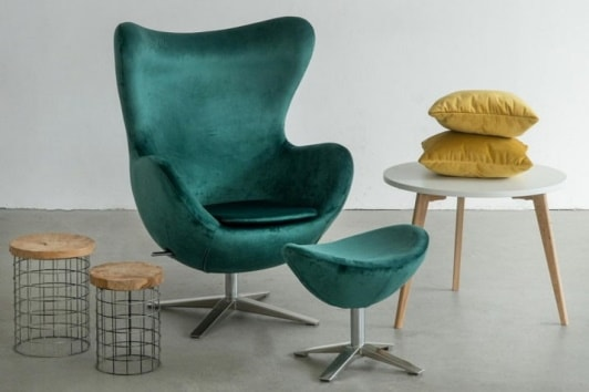 Designerski zielony fotel obrotowy Jajo z podnóżkiem