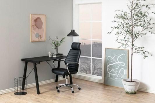 Czarny fotel biurowy z zagłówkiem Earth Actona