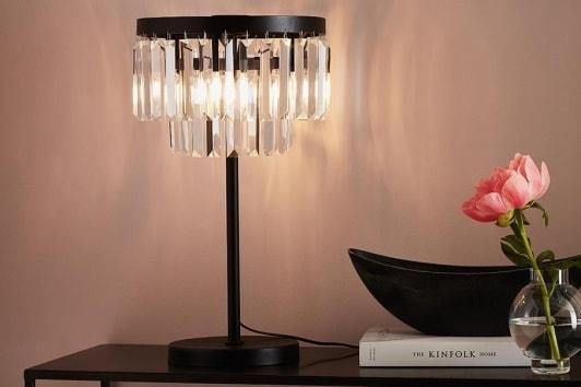 Elegancka lampa stołowa z kryształowym kloszem Ventimigilia Markslojd