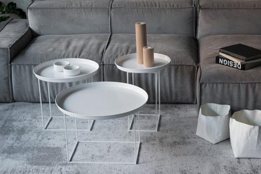 Duży metalowy stolik kawowy z tacą Ramme 63 biały Nordifra