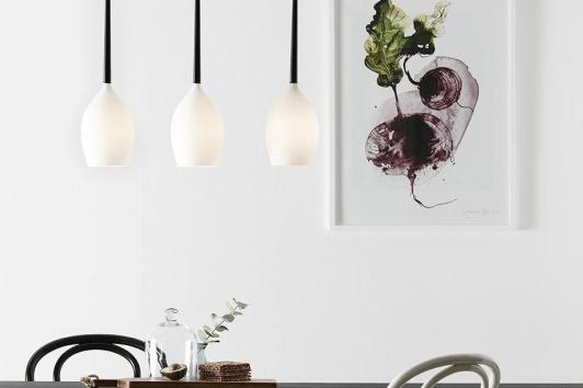 Biała nowoczesna szklana lampa wisząca potrójna Salut Markslojd