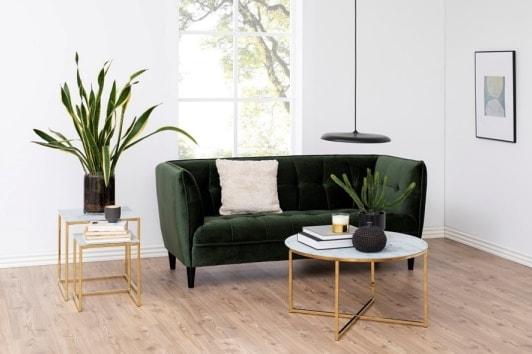 Zielona welurowa sofa pikowana do recepcji Jonna Actona
